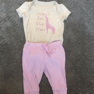 Like new baby gap outfit 0-3 month